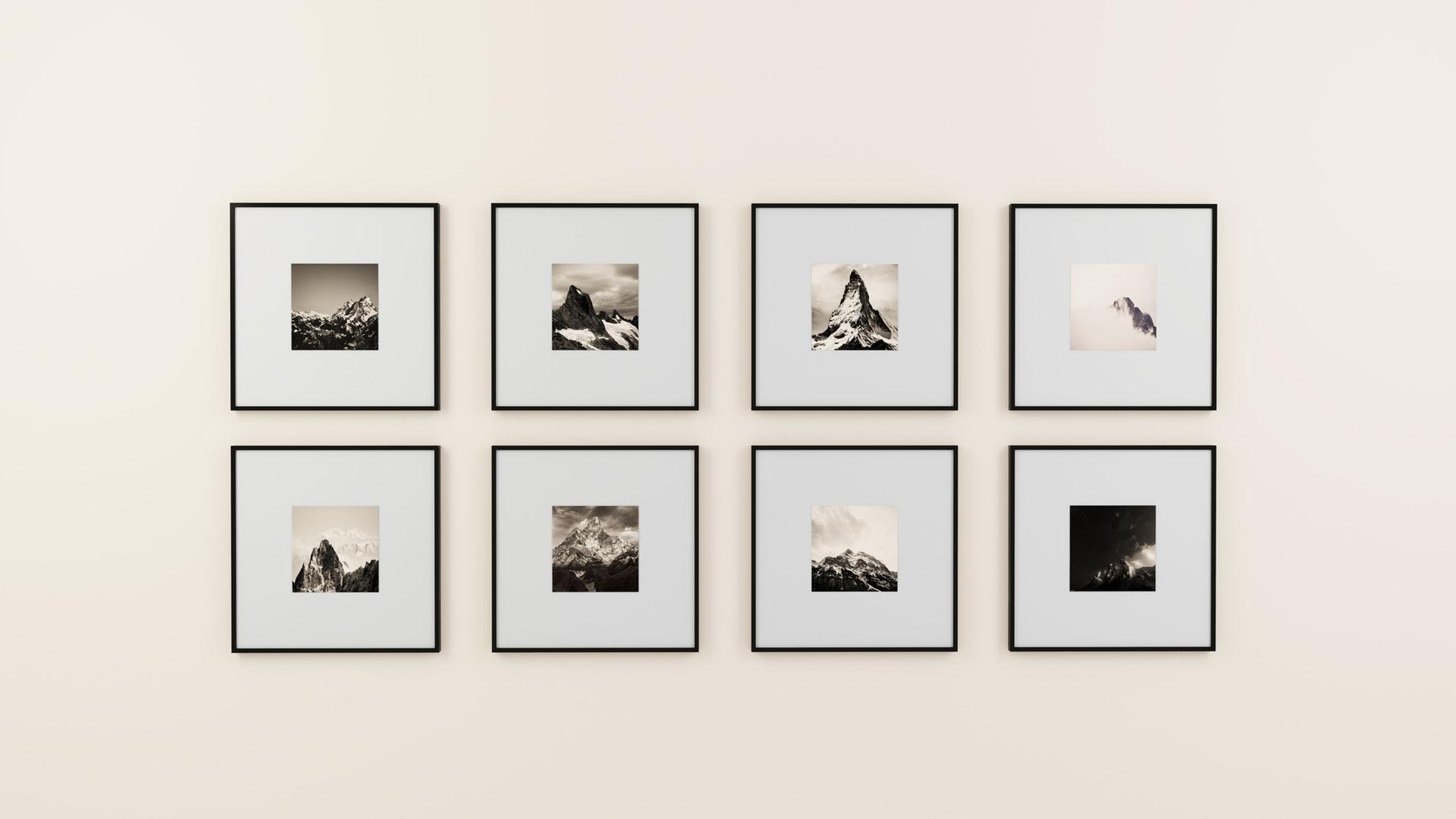 Bilder richtig aufhängen: Galeriewand peppt Räume auf