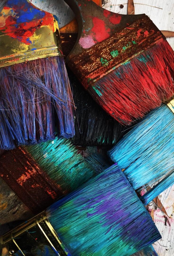 Zuhause wird es wieder bunt mit abstakten Wandbildern in vielen Farben